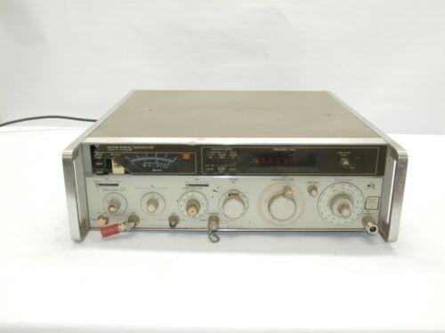 Hewlett Packard 8640B Signal Generator Option 003