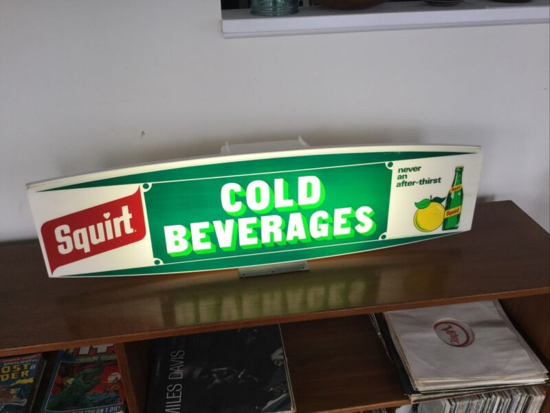 """Vintage 1971 Squirt Soda Lighted """"Cold Beverages"""" Sign. 36"""" Wide. Amazing Cond."""