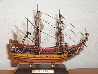 Sammlung Schiffsmodell BERLIN aus Kunststoff und Holz #23