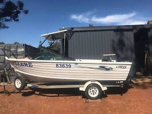 BOAT STACER 525 WITH 70 HP EVINRUDE ALL GOOD