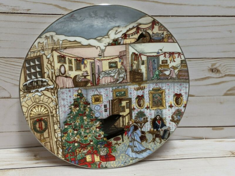 Wedgwood December Christmas Eve Feasts & Festivals Collector Plate