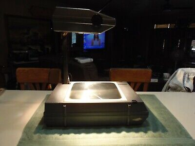 3M Visual System Portable Overhead Projector 120VAC 2000 AG