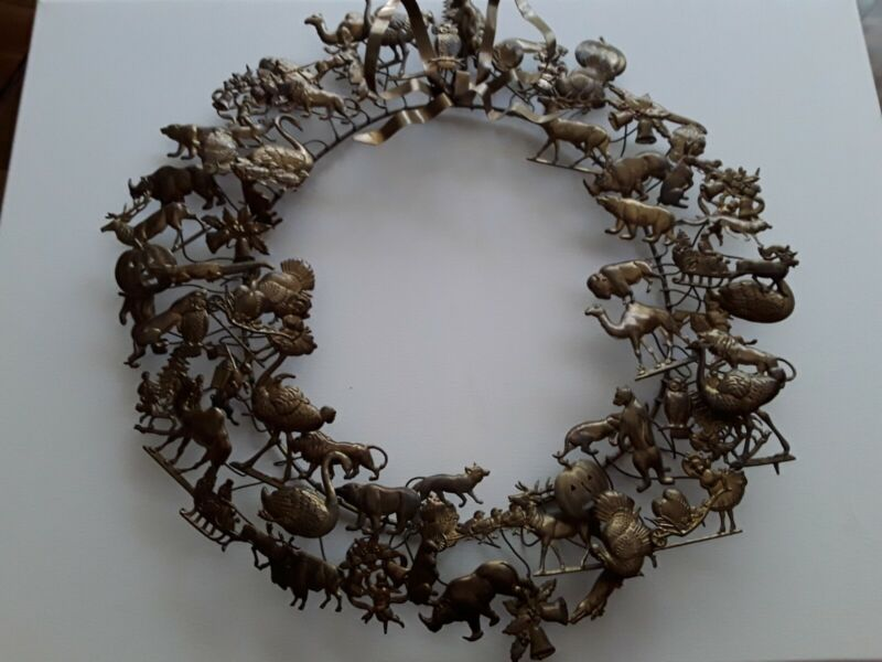 Large VTG Dresden Petite Choses All Holiday Brass /Metal Wreath 75 Figures