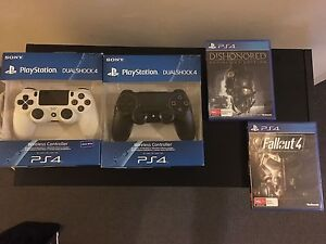 PS4 Wireless Controllers & Games Pyrmont Inner Sydney Preview