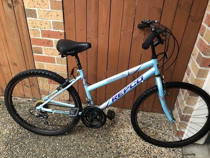 Womens mountain bike blue 26 inch