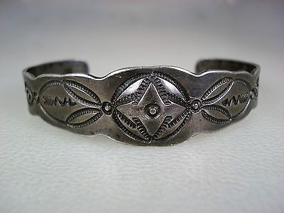 RARE EARLY 1920s NAVAJO STAMPED COIN SILVER BRACELET