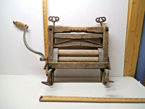 "Antique Vintage Hand Crank Wood Wringer Washer 17"" H x 17"" W 24"" W With Handle"