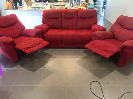 Red 5 seat lounge