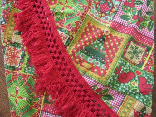 """RETRO Vtg Christmas Tablecloth 1970s Fringed PATCHWORK Round Holiday Cloth 70"""""""