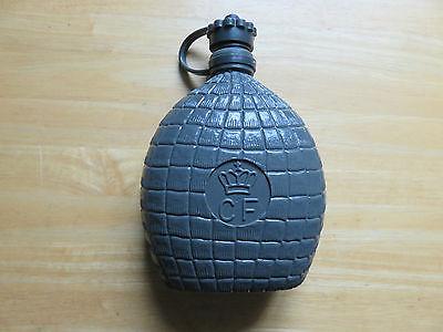 1 Trinkflasche  grau (DK) Volumen 0,6 l
