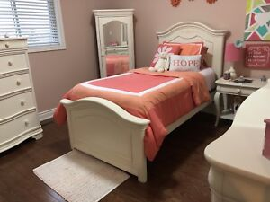 Girls bedroom set - Paid $3600, 6 pieces. Receipt attached