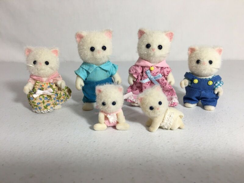 Calico Critters/sylvanian Families Persian Cat Family Of 6