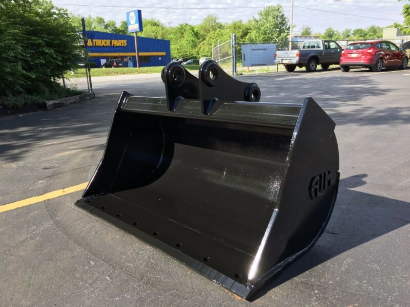 "New 48"" Komatsu Pc60 Ditch Cleaning Bucket With Coupler Pins"