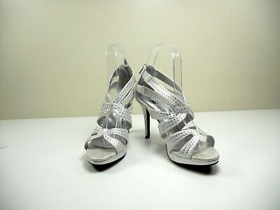 Fioni Night Women's Size 6 Gray Silver Rhinestone 4 inch Heels Prom Wedding