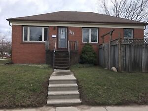 3 Bedroom House Kerr Village (Oakville)