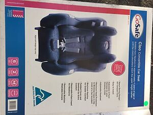 Almost new 2 child's car seats Everton Hills Brisbane North West Preview