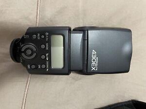 Canon 430EX camera flash