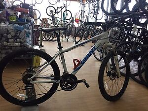 Used Giant revel bike - size small