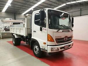 2015 Hino FC 1022 Compact Manual Tipper Breakwater Geelong City Preview