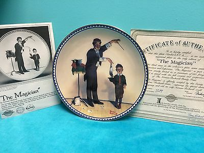 """NORMAN ROCKWELL COLLECTABLE PLATE """"THE MAGICIAN"""" HARD TO FIND"""