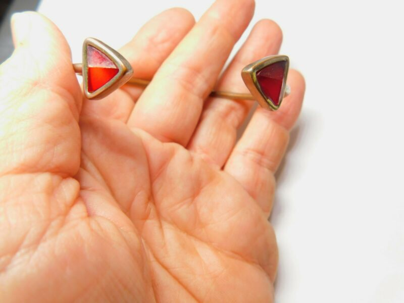 Red Triangle Cabochon Gold Tone Metal Cuff Bracelet Vintage