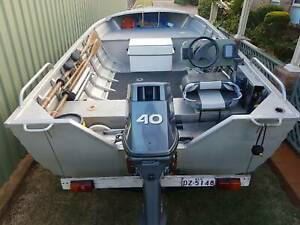 4.29m Clark Abalone with 40HP Yamaha - 2 stoke - good condition