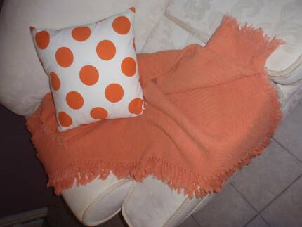 ORANGE THROW RUG 150CM,120CM, ORANGE SPOT HABITAT CUSHION 40CM