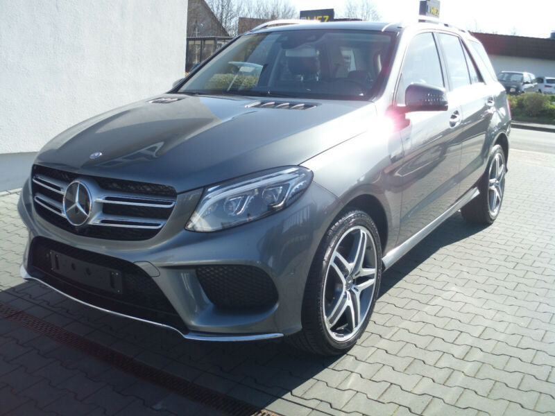 Mercedes-Benz GLE 350 d 4Matic AMG /Pano / AHK / Voll/9x21Zoll
