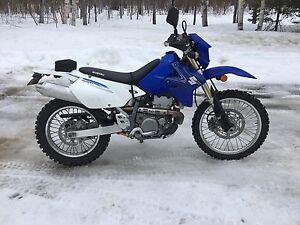 Moto DRZ 400 à vendre