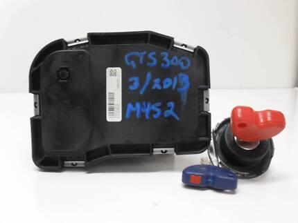 Vespa GTS 300 ECU and Key Set