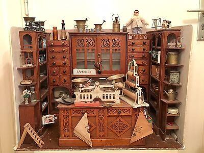 Antike Puppenstube aus Sammlung Gottschalk ? um 19 Jh Miniatur Apotheke Pharmacy
