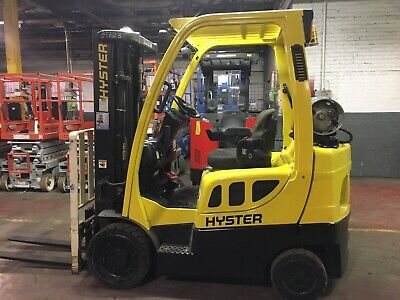 Hyster 5000 Lb Forklift With Side Shift And Triple Mast 4 Ways