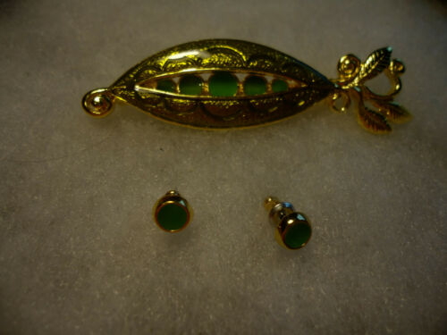 Danecraftvtg.nos gold tone enamel Pea Pod earrings pin combo