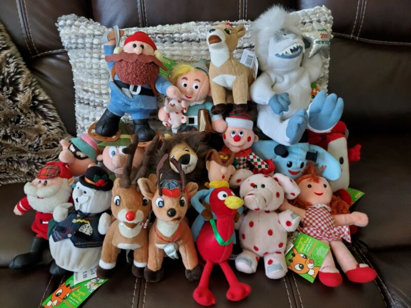 Rudolph the Red-Nosed Reindeer CVS plush lot set of 17