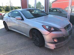 2010 Hyundai Genesis Coupe 2.0T Leather, Salvage, AS IS