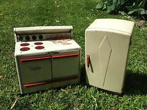 Antique Toy Refrigerator & Stove