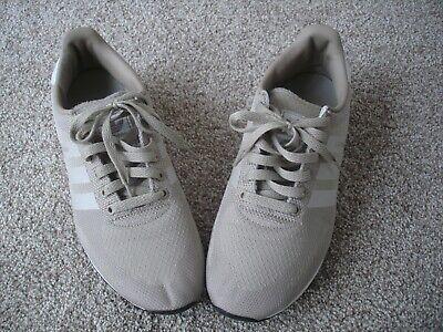 Adidas LA trainers size 9 Beige white 3 stripe