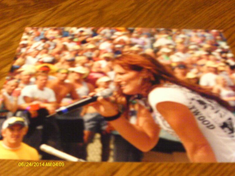 Jo Dee Messina 2005 Color Concert Photo