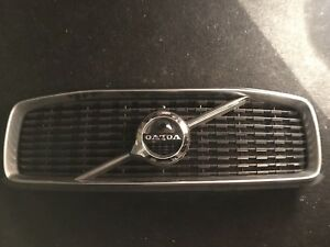 2018 Volvo XC90 grill