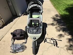 Great condition Valco baby stroller and accessories