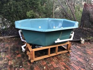 5 person outdoor Spa / Jacuzzis - FREE DELIVERY