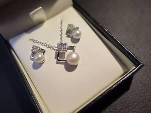 JOIE DE VIE Pearl Swarovski Necklace Earrings set Sterling Silver Runcorn Brisbane South West Preview