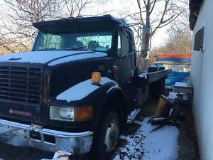 1998 International Flat Deck Tow Truck for parts or repair!!