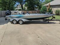 2009 Triton 21 X3 Bass Boat