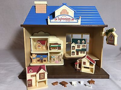 Calico critters/sylvanian Families Toy Shop With Lots Of Doll Houses