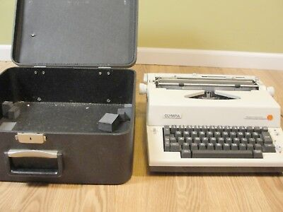 Olympic Report Portable Electric Ske-a81 Typewriter Hard Case Western Germany