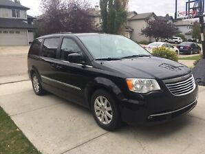 2015 Chrysler Town and Country Asking $21,000.00