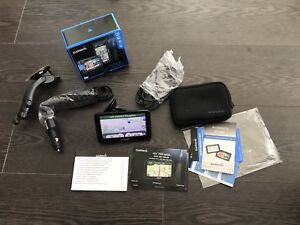 Garmin GPS nuvi 2555 LMT (Navigation System) with accessories