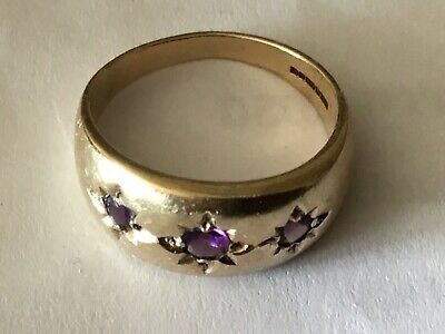 9 CT/K/CARAT GOLD GYPSY RING WITH AMETHYSTS, SIZE M WEIGHT 3.22g LOVELY.