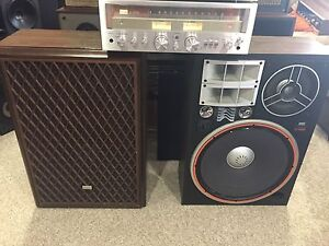 Vintage Sansui package in excellent condition! Stereo items .